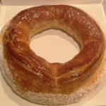 Auténtica tradición: el Roscón de San Blas de Ascaso, un rosco de hojaldre relleno de crema