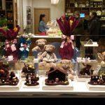 El chocolate se adueña de los escaparates de Ascaso con las Monas de Pascua